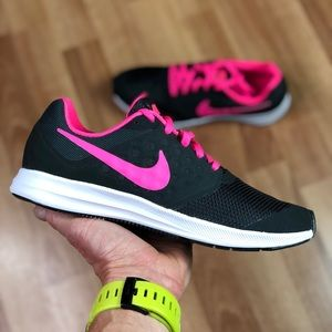 NEW Nike Downshifter 7 (GS) (869972-002) Running